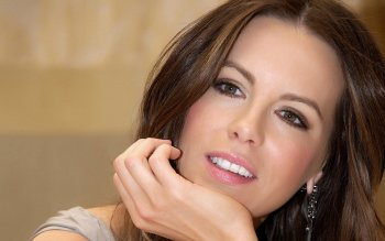 Celebrity - Kate Beckinsale Wallpapers and Backgrounds ID : 289436