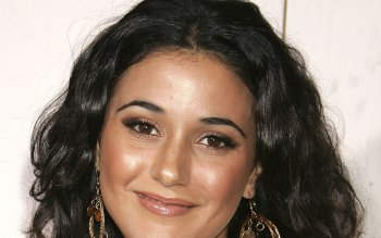 Celebrita' - Emmanuelle Chriqui Wallpapers and Backgrounds ID : 296464