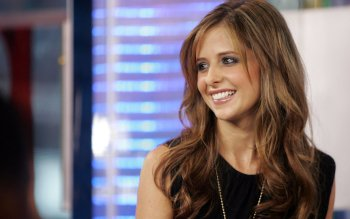 Celebrity - Sarah Michelle Gellar Wallpapers and Backgrounds ID : 33816
