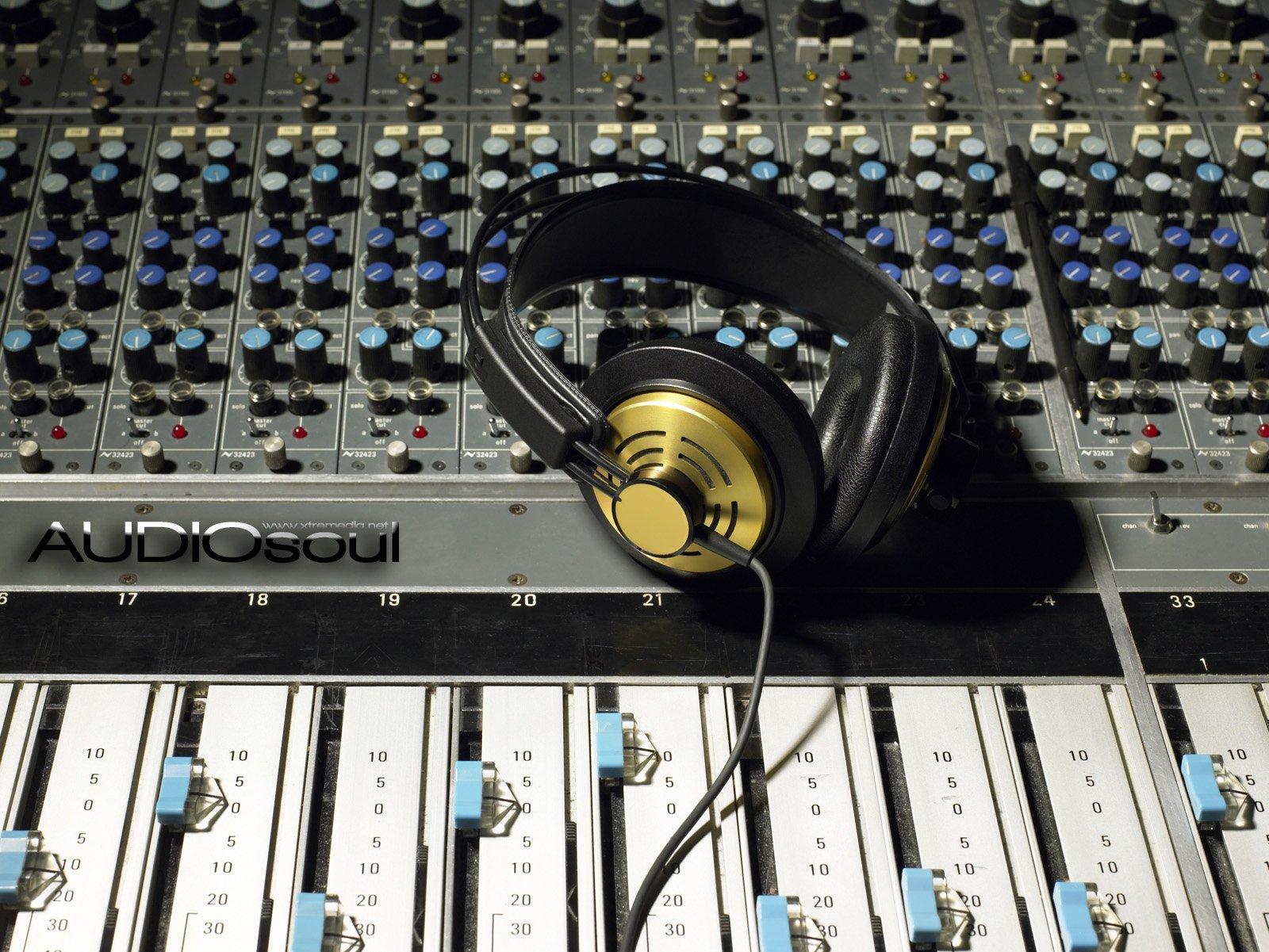 Music - Headphones  Wallpaper