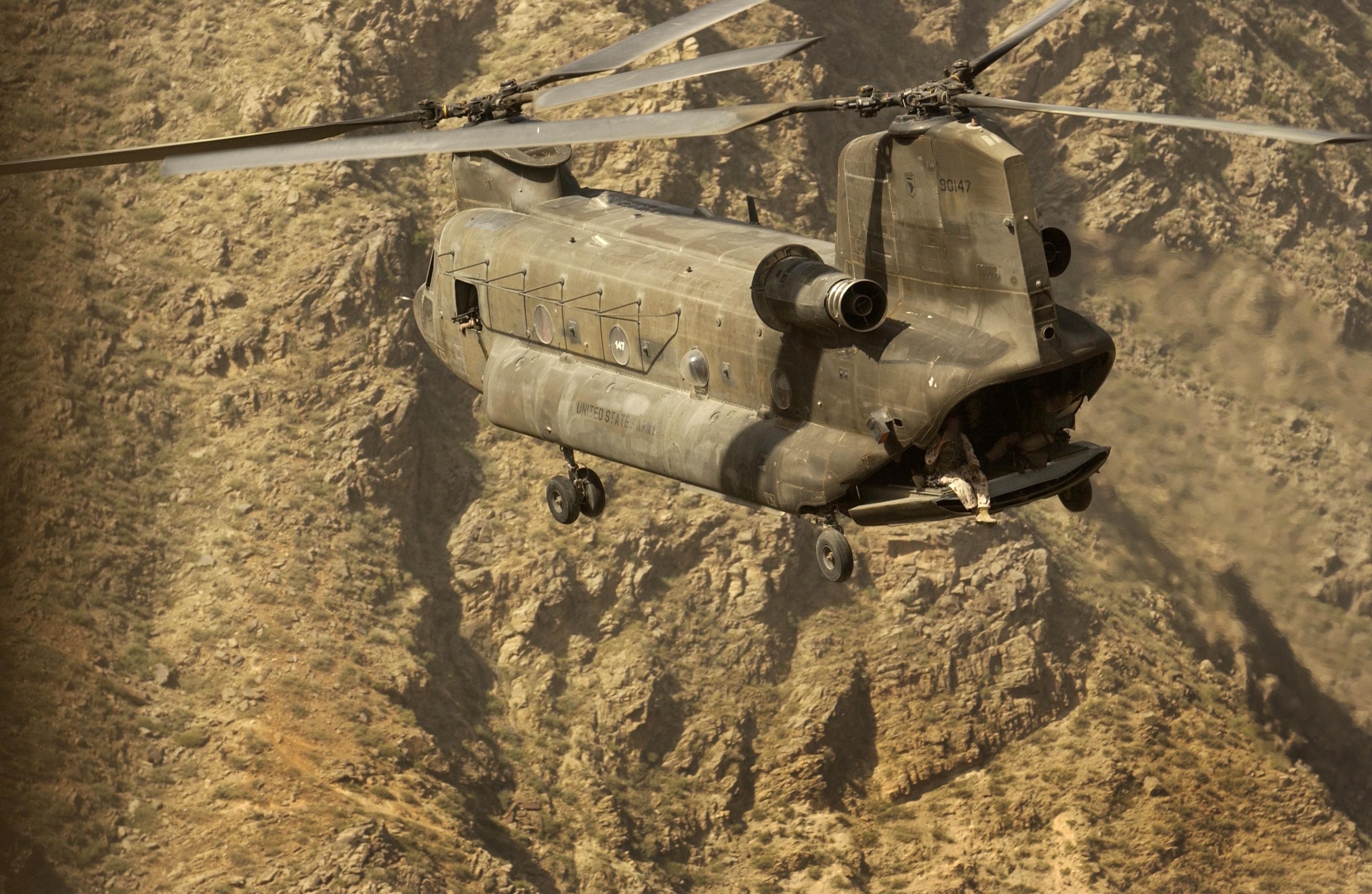 Military - Boeing CH-47 Chinook  Wallpaper