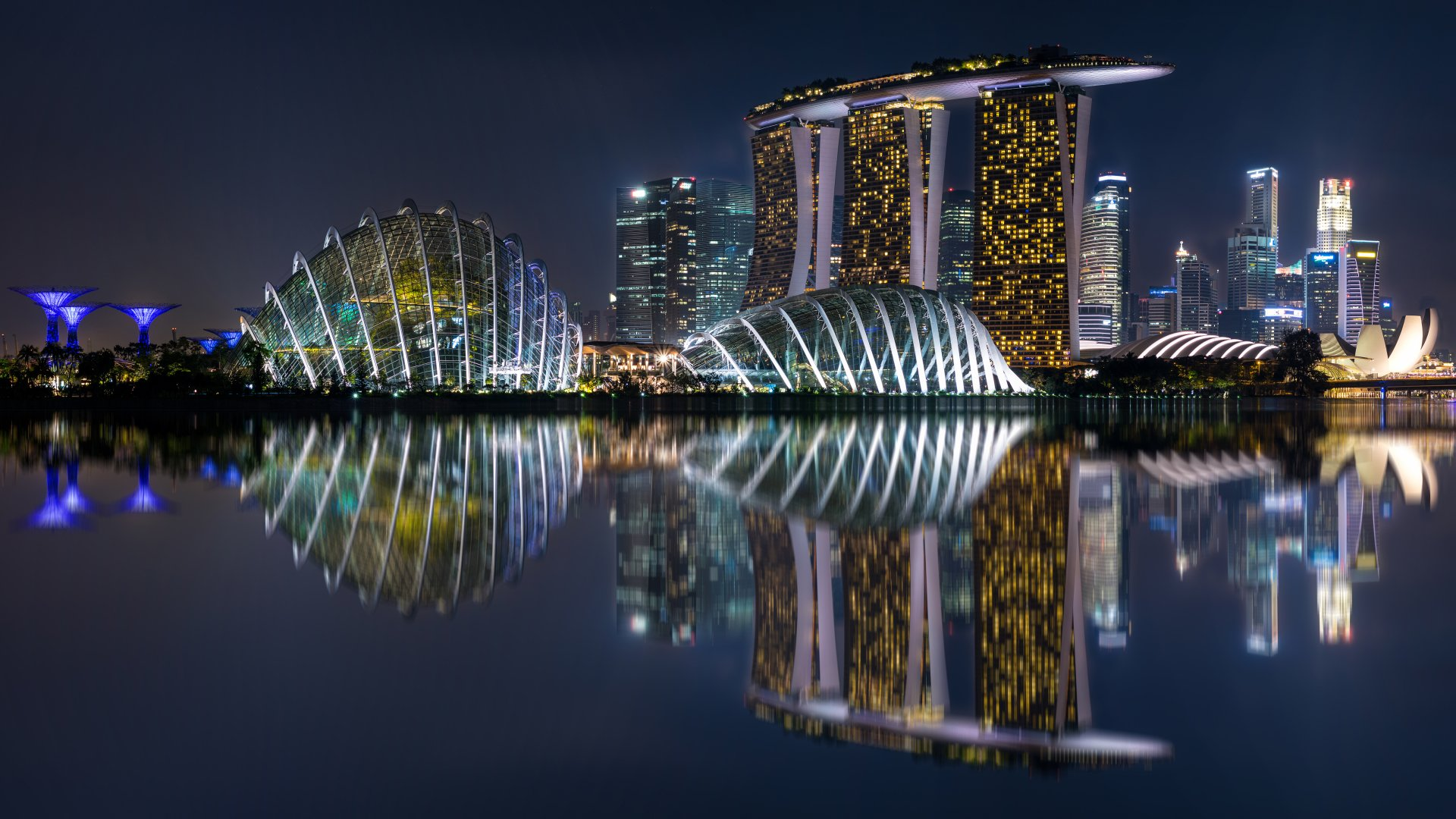 Man Made - Marina Bay Sands  Singapore Building Night Wallpaper