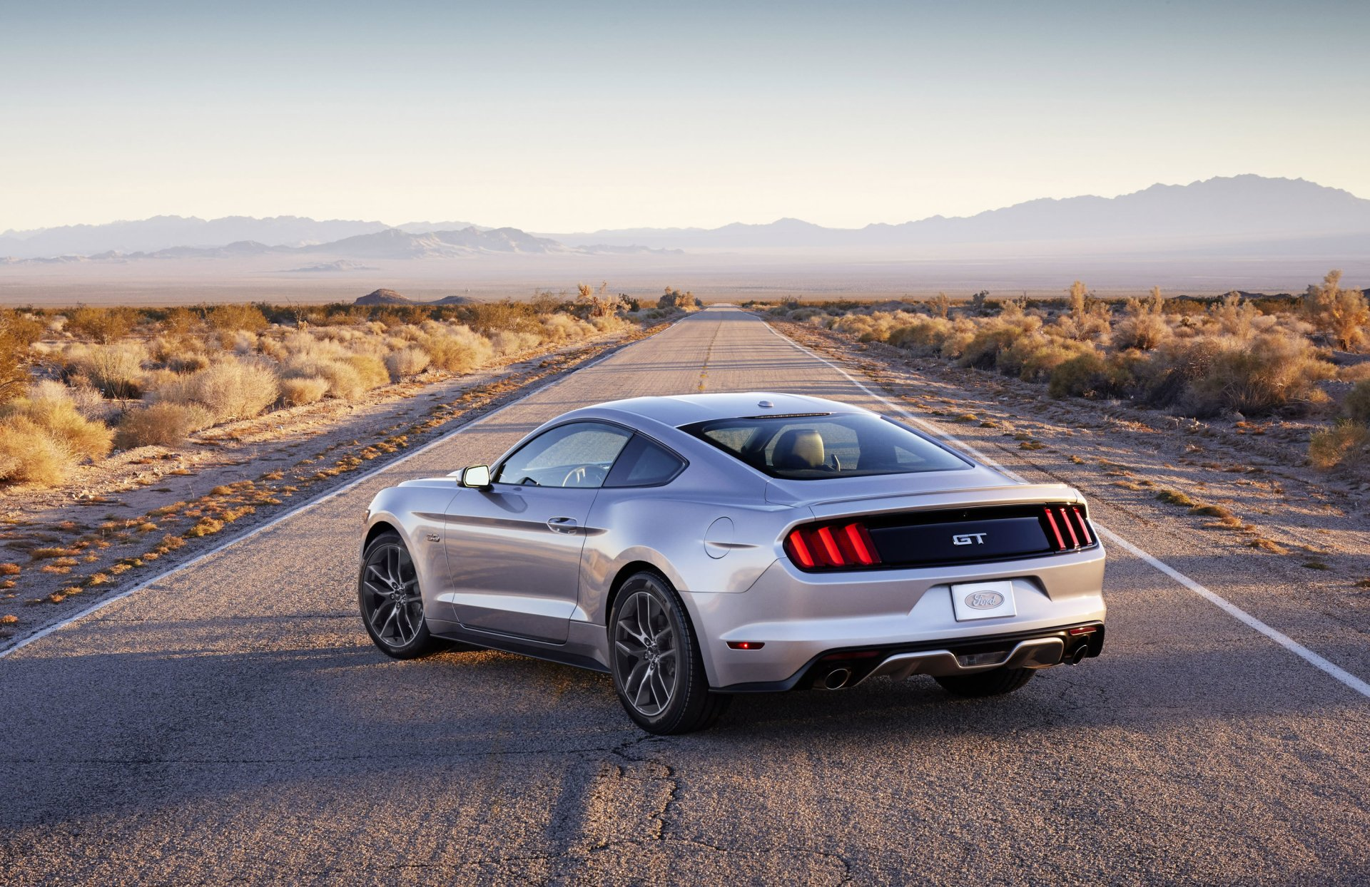 Vehicles - 2015 Ford Mustang GT  Desert Road Ford Mustang Silver Car Car Ford Wallpaper