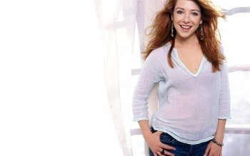 Celebrity - Alyson Hannigan Wallpapers and Backgrounds ID : 56696