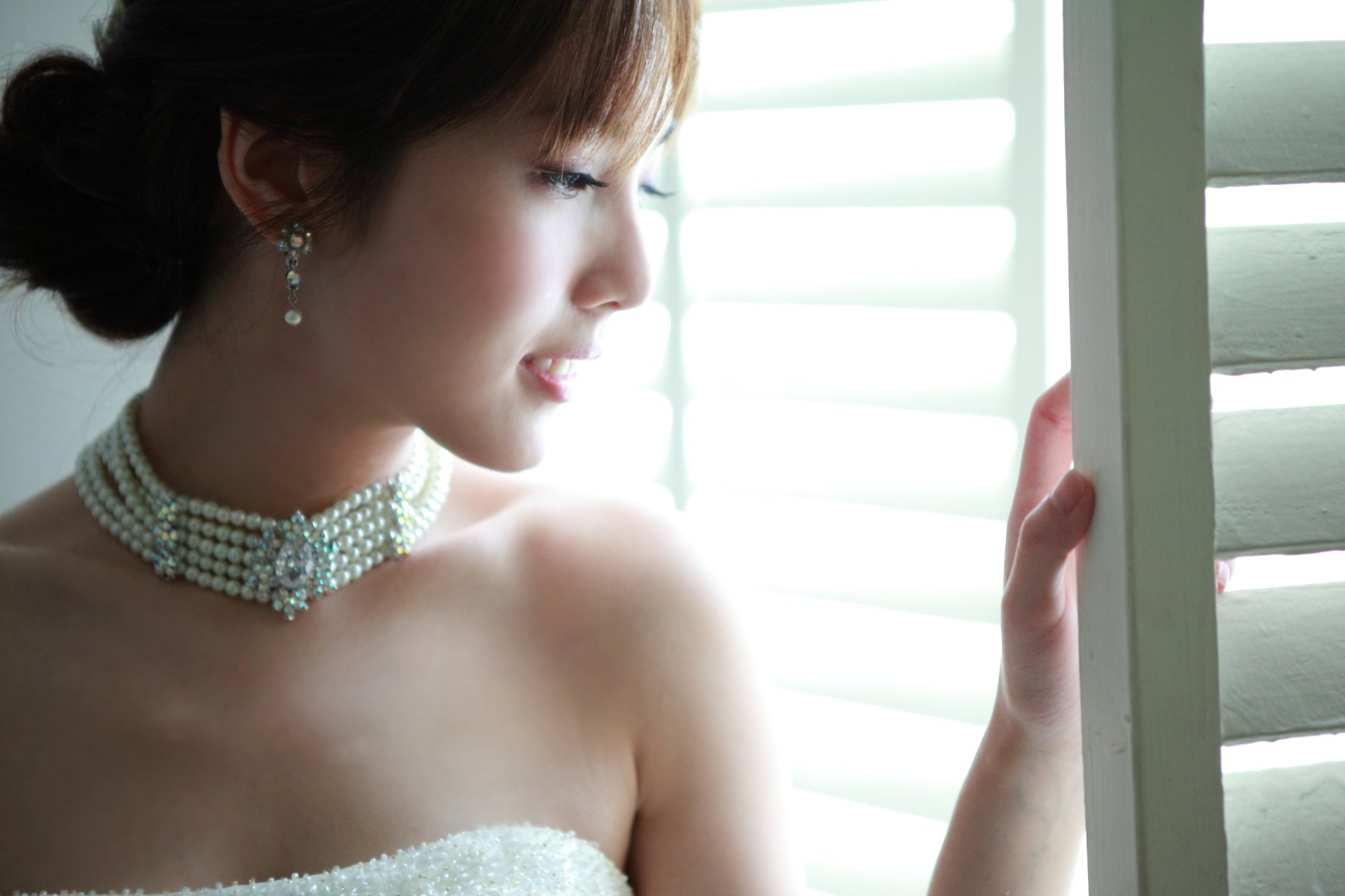 Women - Catherine  Earrings Face Asian Woman Girl Wallpaper