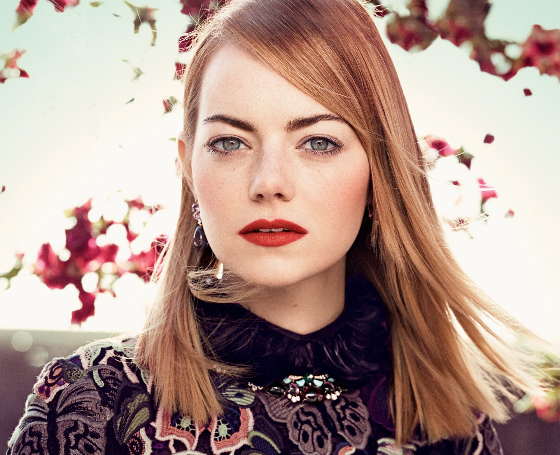 Celebrity - Emma Stone  Actress American Green Eyes Redhead Wallpaper