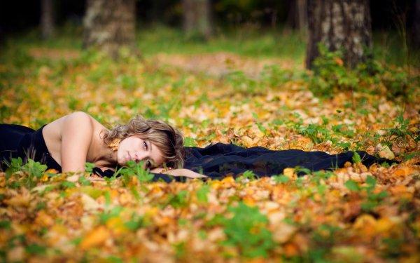 Women Mood Model Fashion Style Fall Season Leaf HD Wallpaper | Background Image