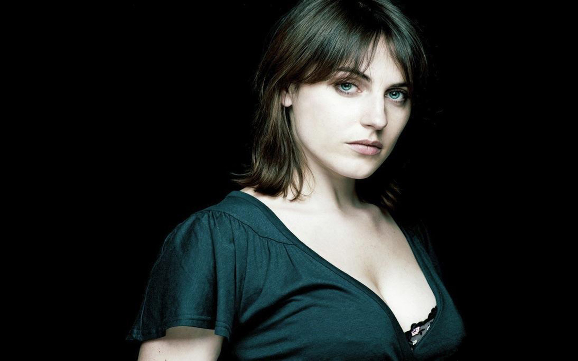 Antje Traue Full HD Wallpaper and Background Image ...