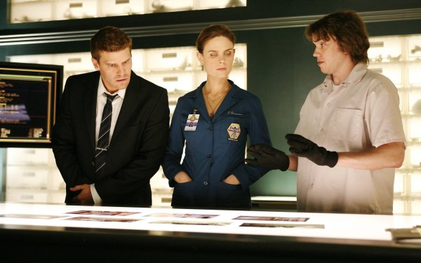 TV Show Bones Eric Millegan Zack Addy Temperance Brennan Emily Deschanel David Boreanaz Seeley Booth HD Wallpaper   Background Image