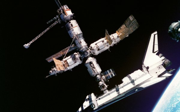 Vehicles Space Shuttle atlantis Space Shuttles NASA Mir space station Space HD Wallpaper | Background Image
