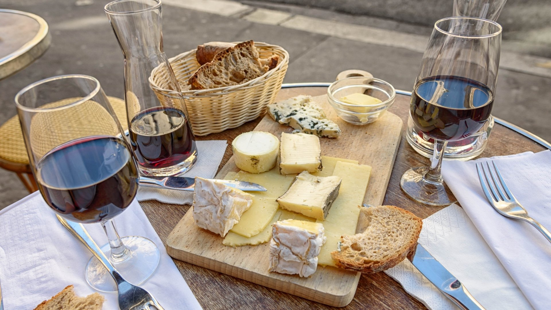 Photography - Still Life  Glass Cheese Wine Table Food Wallpaper