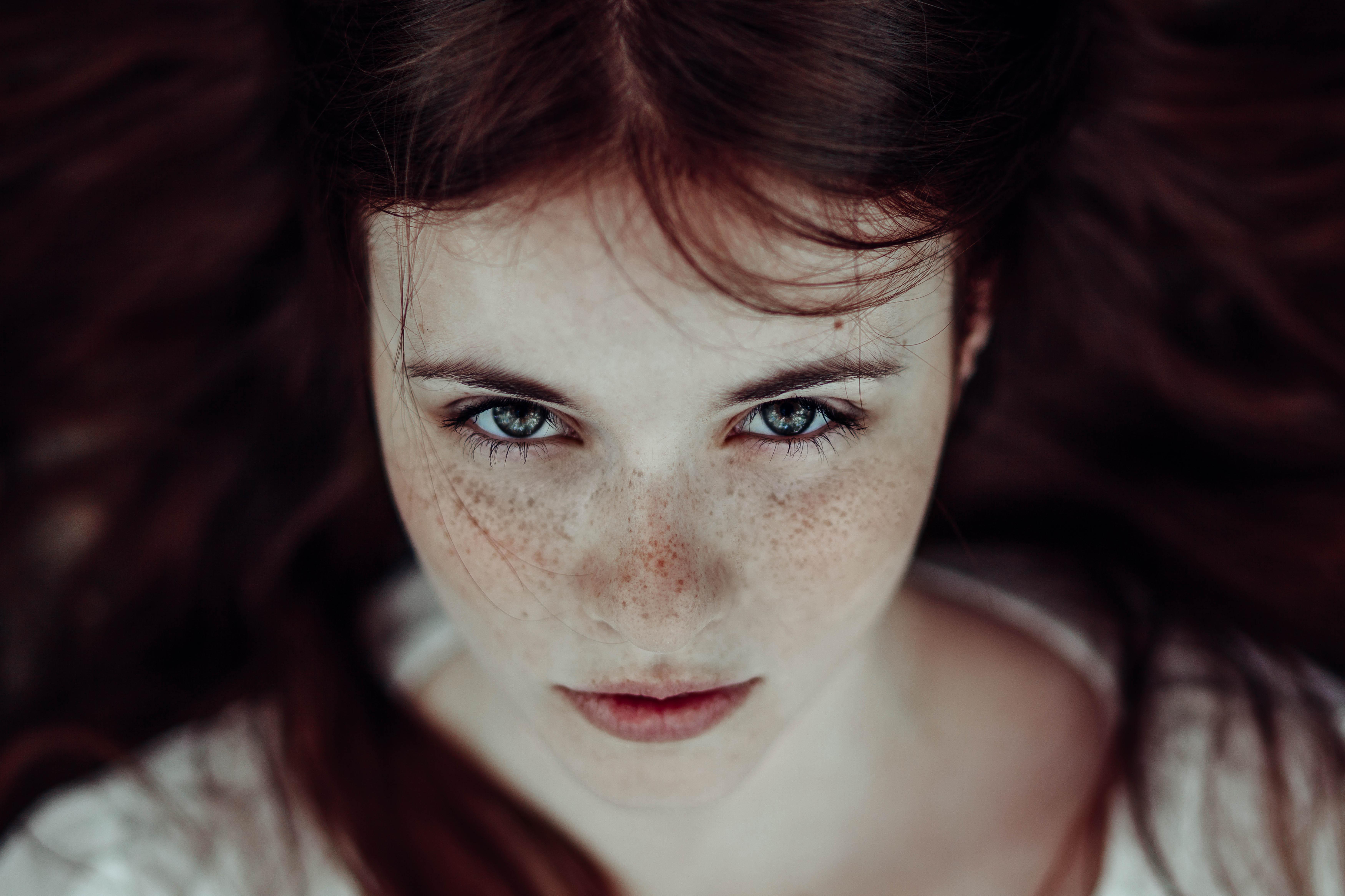 eyes Redhead freckles green