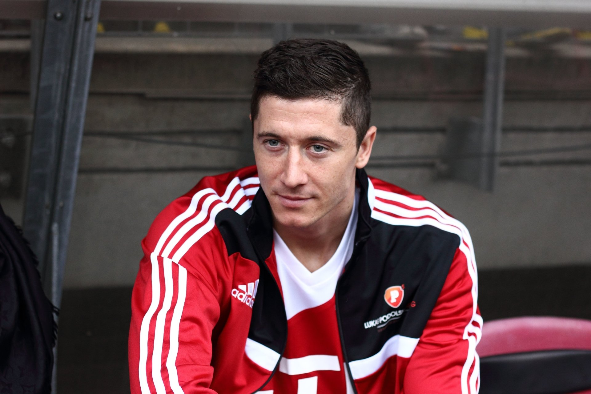 Sports - Robert Lewandowski   Robert Lewandowski Soccer Polish Wallpaper