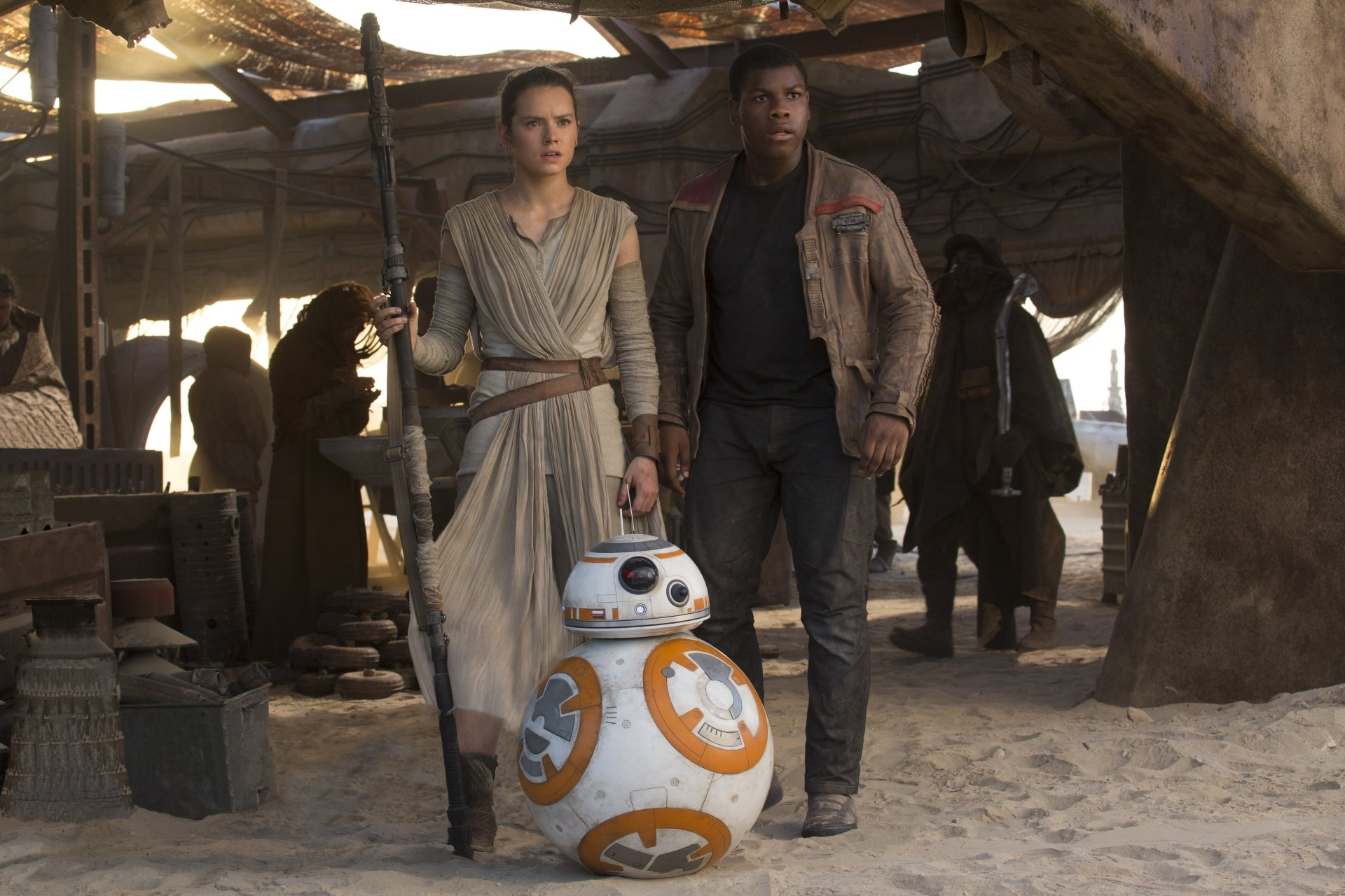 Movie - Star Wars Episode VII: The Force Awakens  Star Wars John Boyega Finn (Star Wars) Rey (Star Wars) Daisy Ridley BB-8 Wallpaper