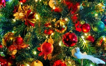 Holiday Christmas Christmas Ornaments Colorful Ball Bird HD Wallpaper | Background Image