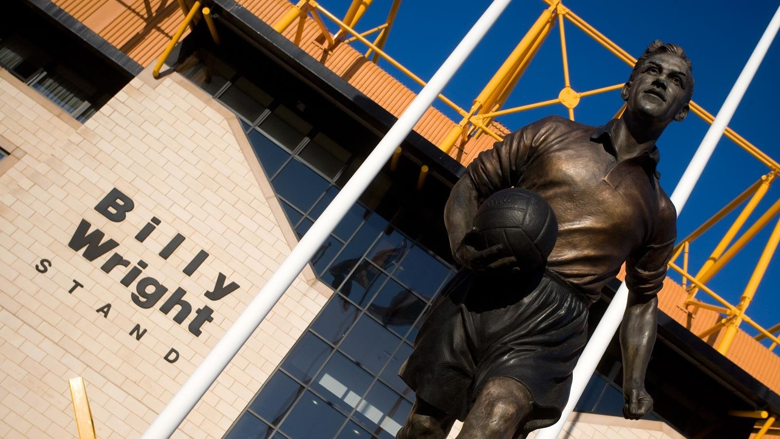 Wolverhampton Wanderers F.C. Wallpaper and Background Image | 1600x900 | ID:679193 - Wallpaper Abyss