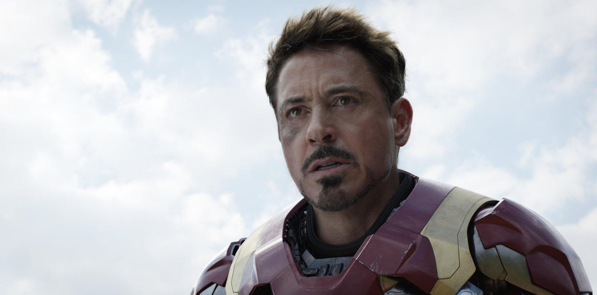 Movie - Captain America: Civil War  Robert Downey Jr. Iron Man Wallpaper