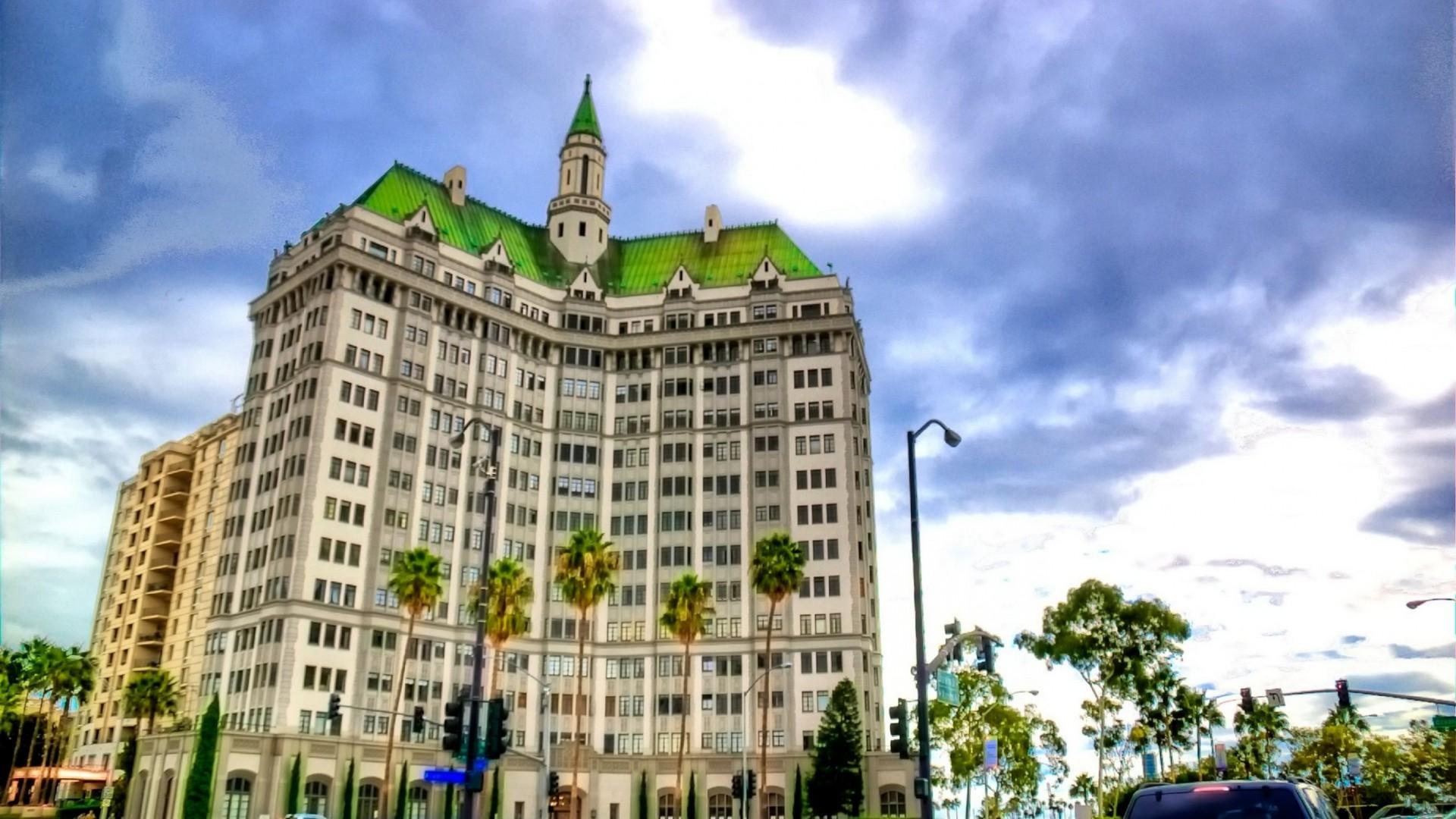 The Long Beach Building