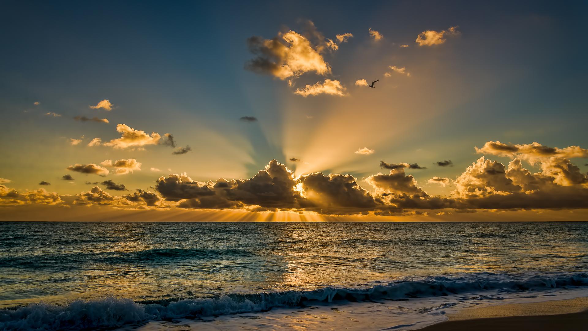 Sun Beach And Sea Wallpaper: Sun Shining Behind The Clouds HD Wallpaper