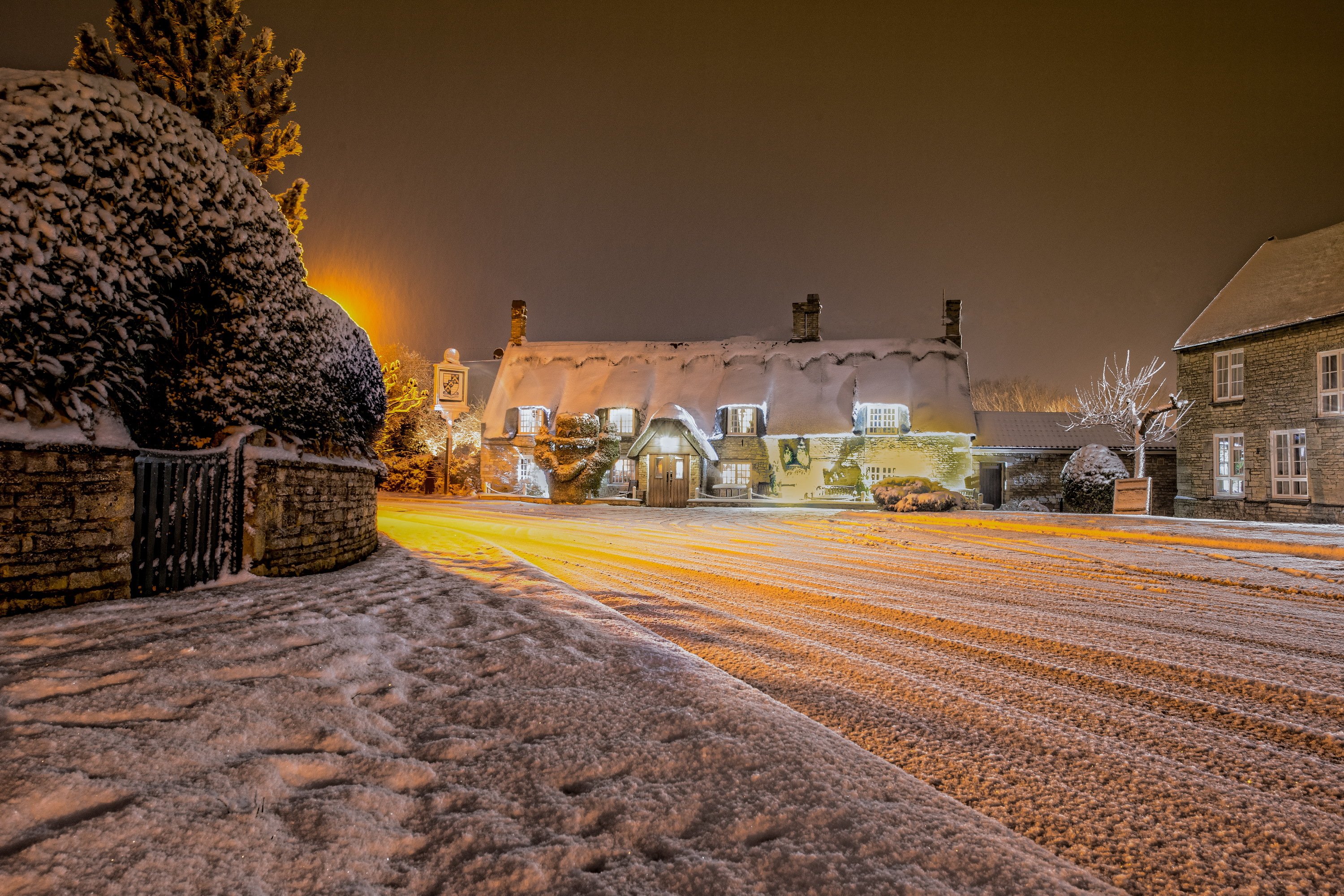 English Village after Snowstorm Full HD Wallpaper and ...