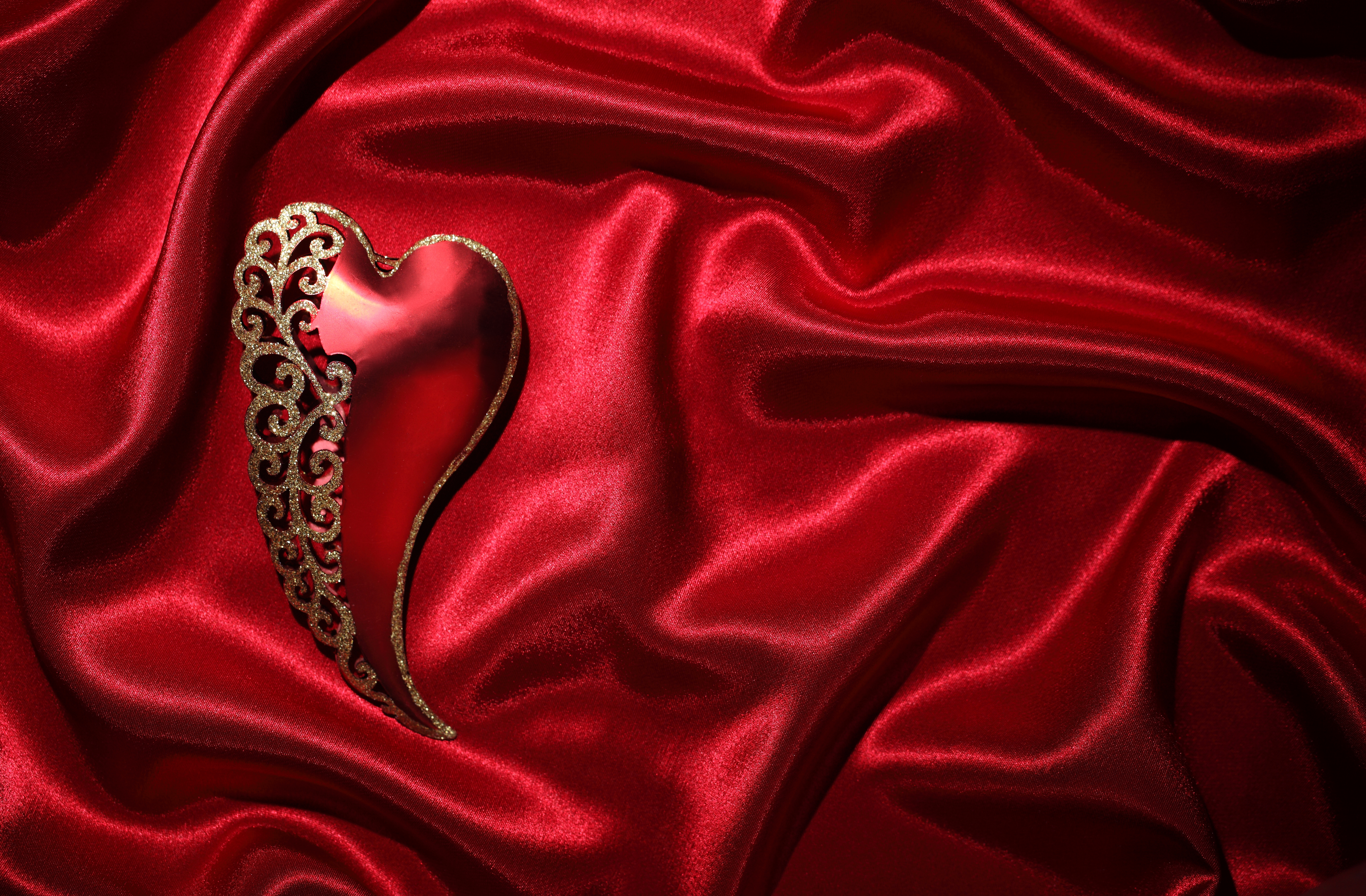 Red and Gold Heart 5k Retina Ultra HD Wallpaper and Background