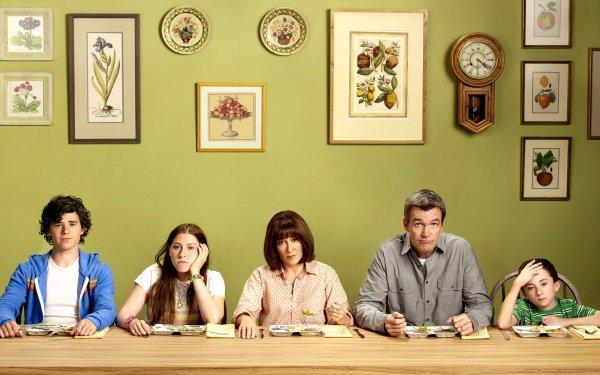 TV Show The Middle Cast Eden Sher Atticus Shaffer Patricia Heaton Charlie McDermott Neil Flynn HD Wallpaper | Background Image
