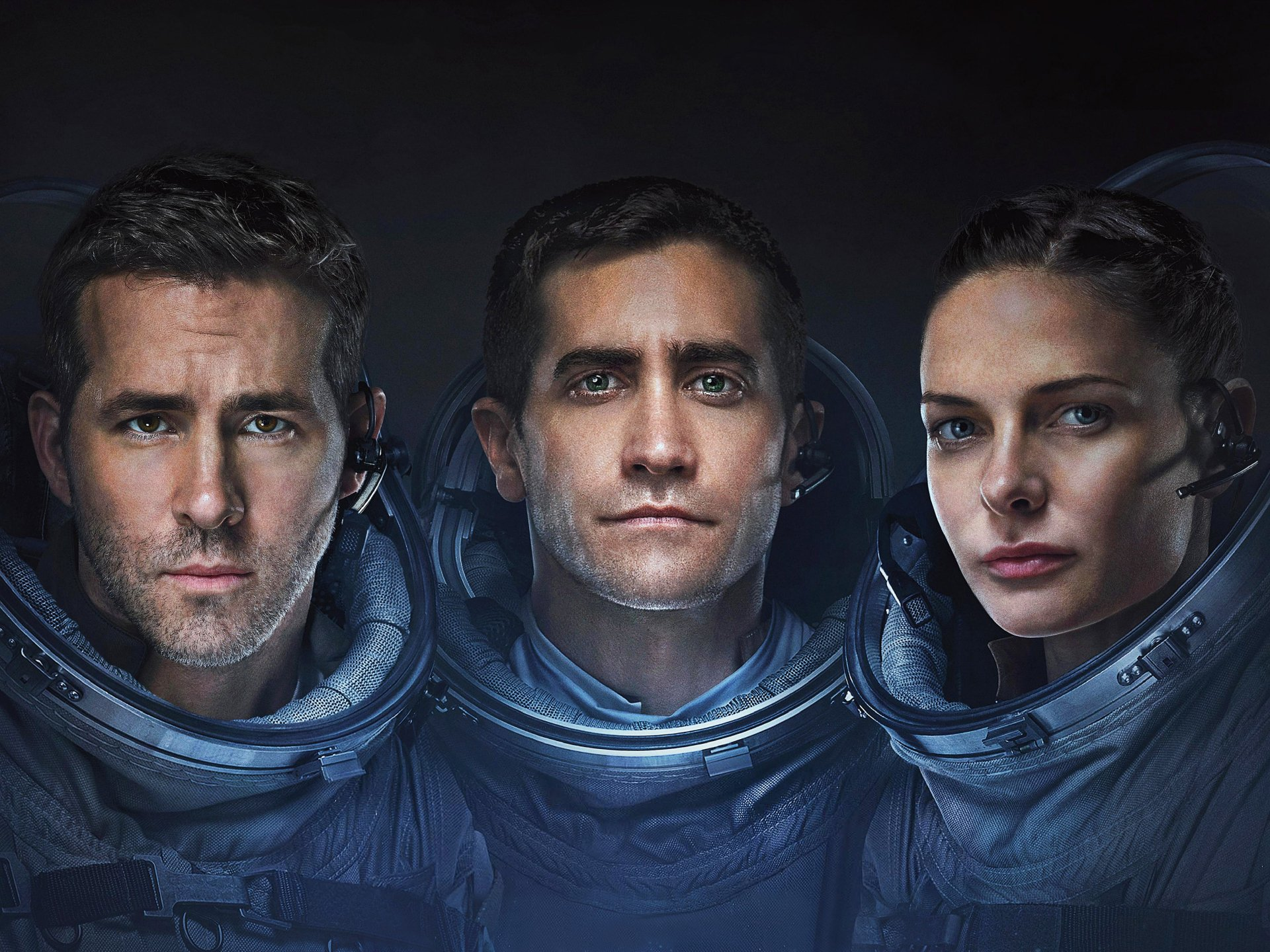 Movie - Life (2017)  Jake Gyllenhaal Ryan Reynolds Rebecca Ferguson Wallpaper