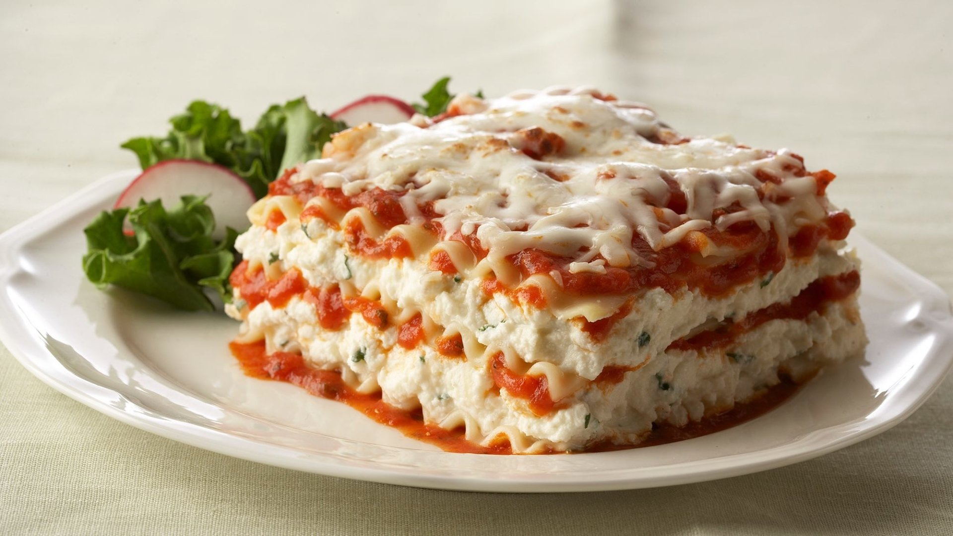 Food - Lasagna  Food Meal Wallpaper