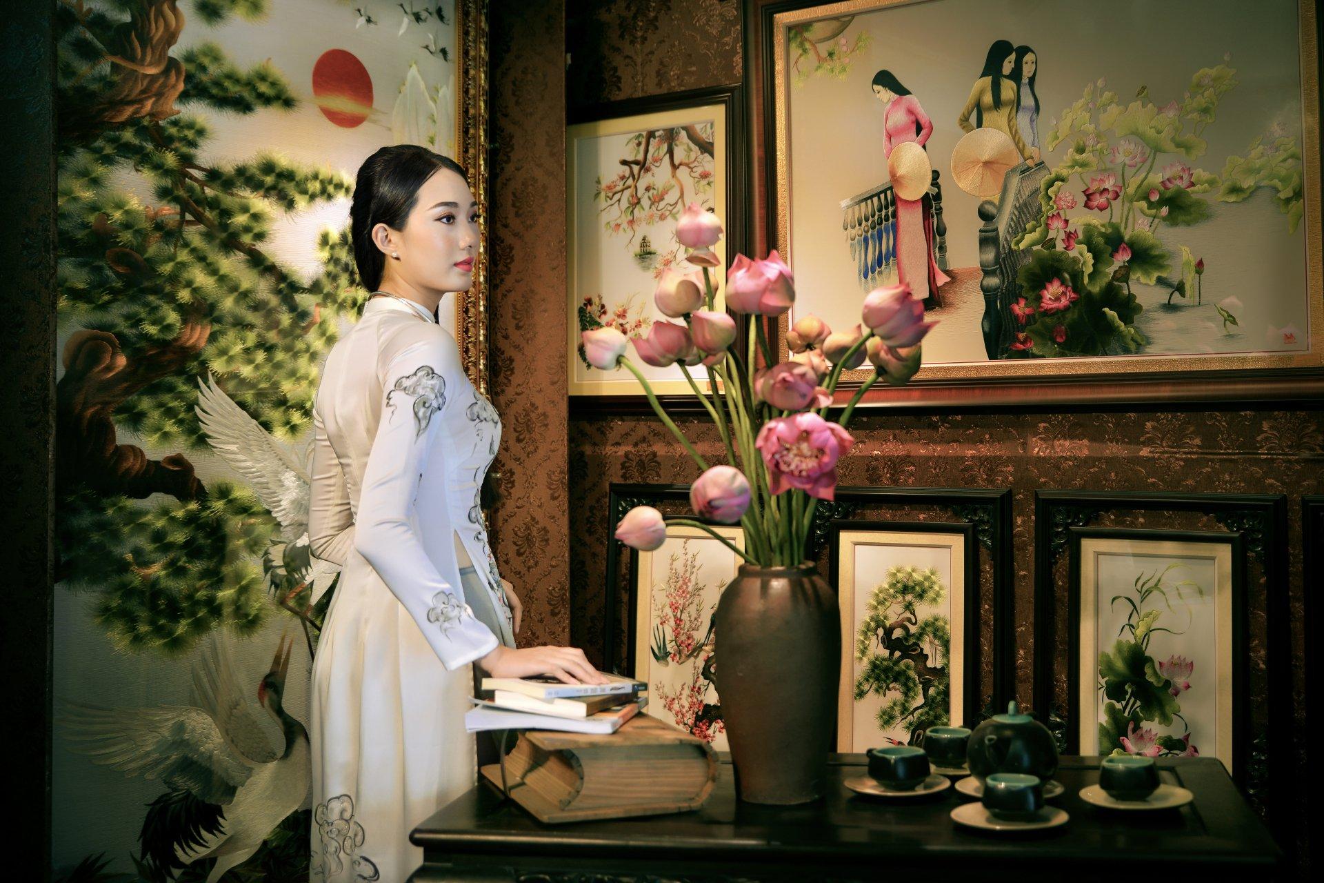 Women - Asian  Girl Ao Dai Vietnamese Flower Painting Bouquet Book Tea Set Wallpaper