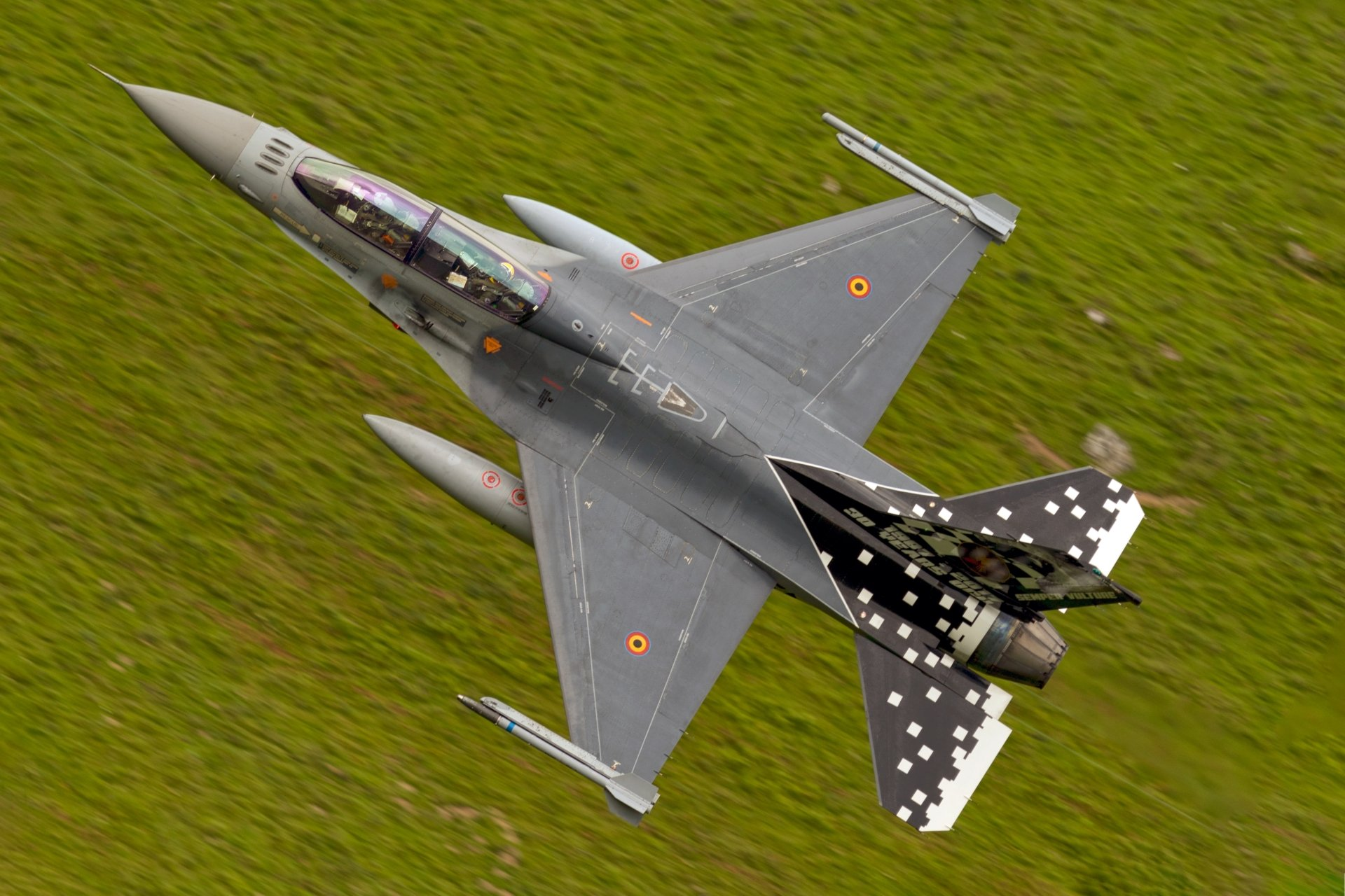 Military - General Dynamics F-16 Fighting Falcon  Jet Fighter Aircraft Warplane Wallpaper