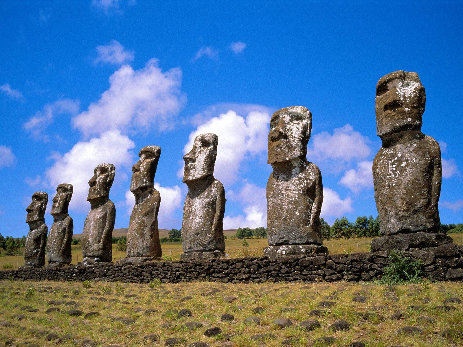 Construction Humaine - Moai  Chili Easter Island Fond d'écran
