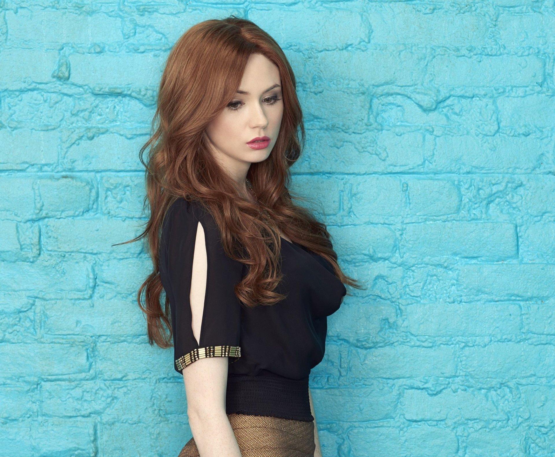 Celebrity - Karen Gillan  Actress Redhead Scottish Wallpaper