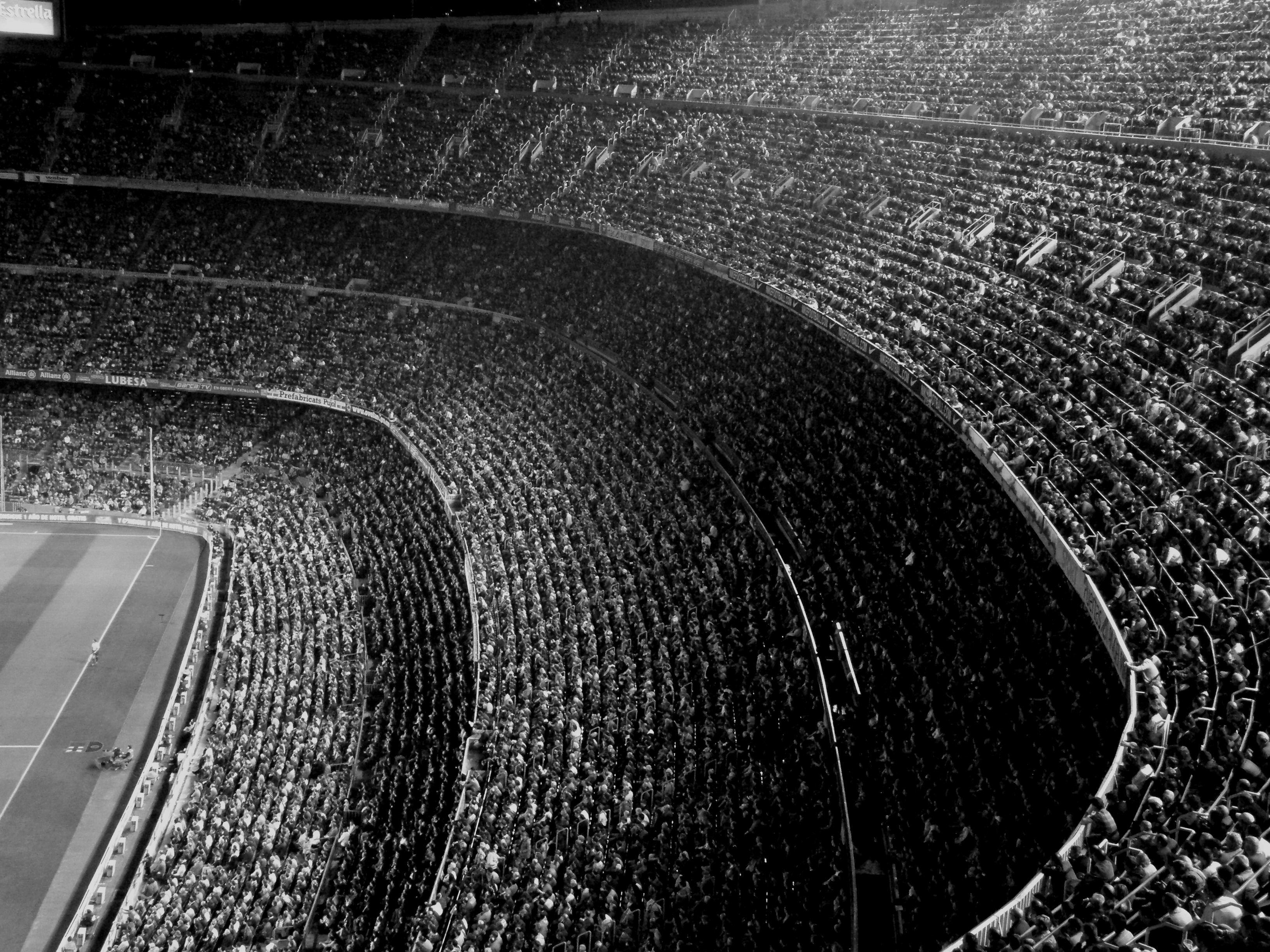 654 Black White HD Wallpapers