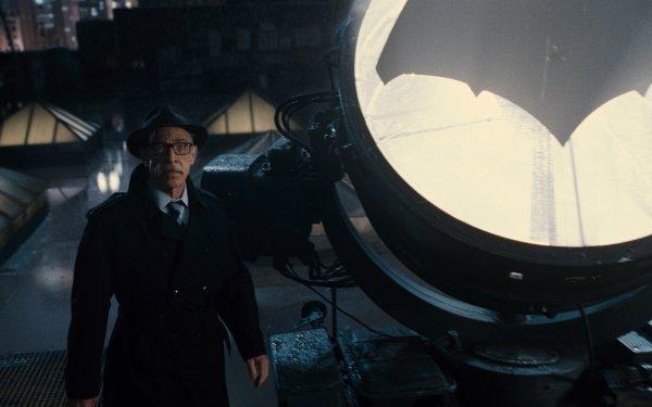 Movie Justice League Commissioner Gordon J.K. Simmons Bat-Signal HD Wallpaper | Background Image