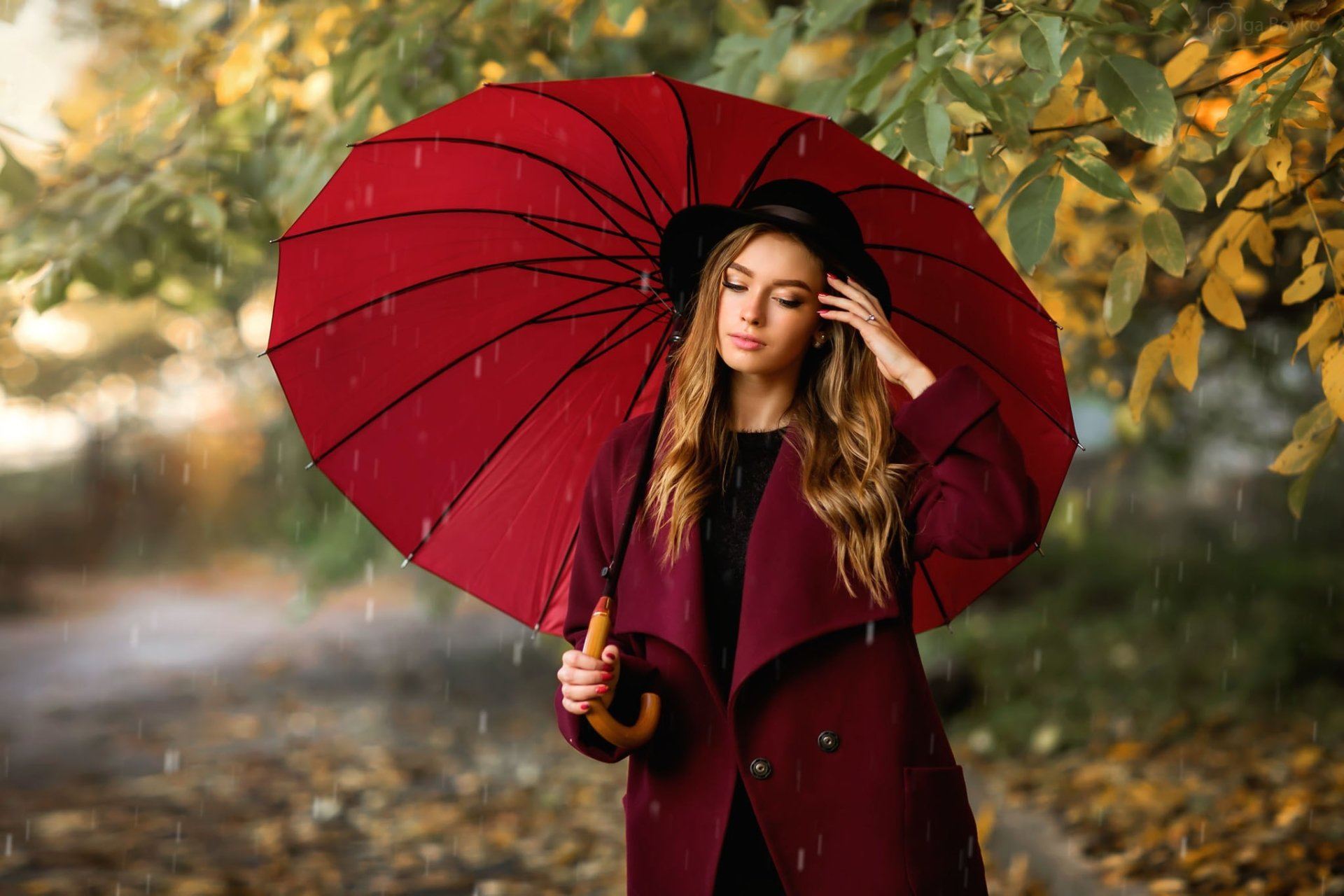 Women - Model  Umbrella Hat Rain Woman Girl Brunette Coat Depth Of Field Wallpaper
