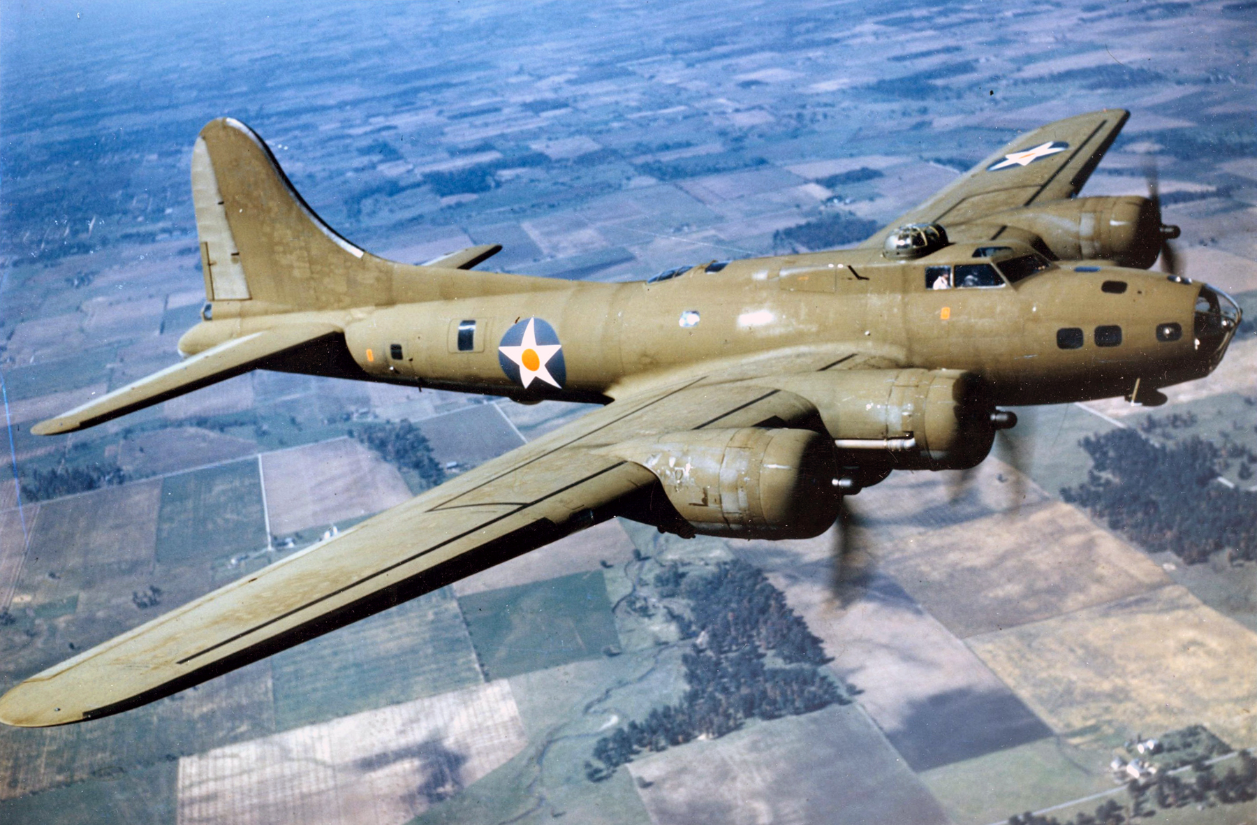 Militär - Boeing B-17 Flying Fortress  - Spitfire - Flugzeug - P-38 - Us - Air Force - B-17 Hintergrundbild