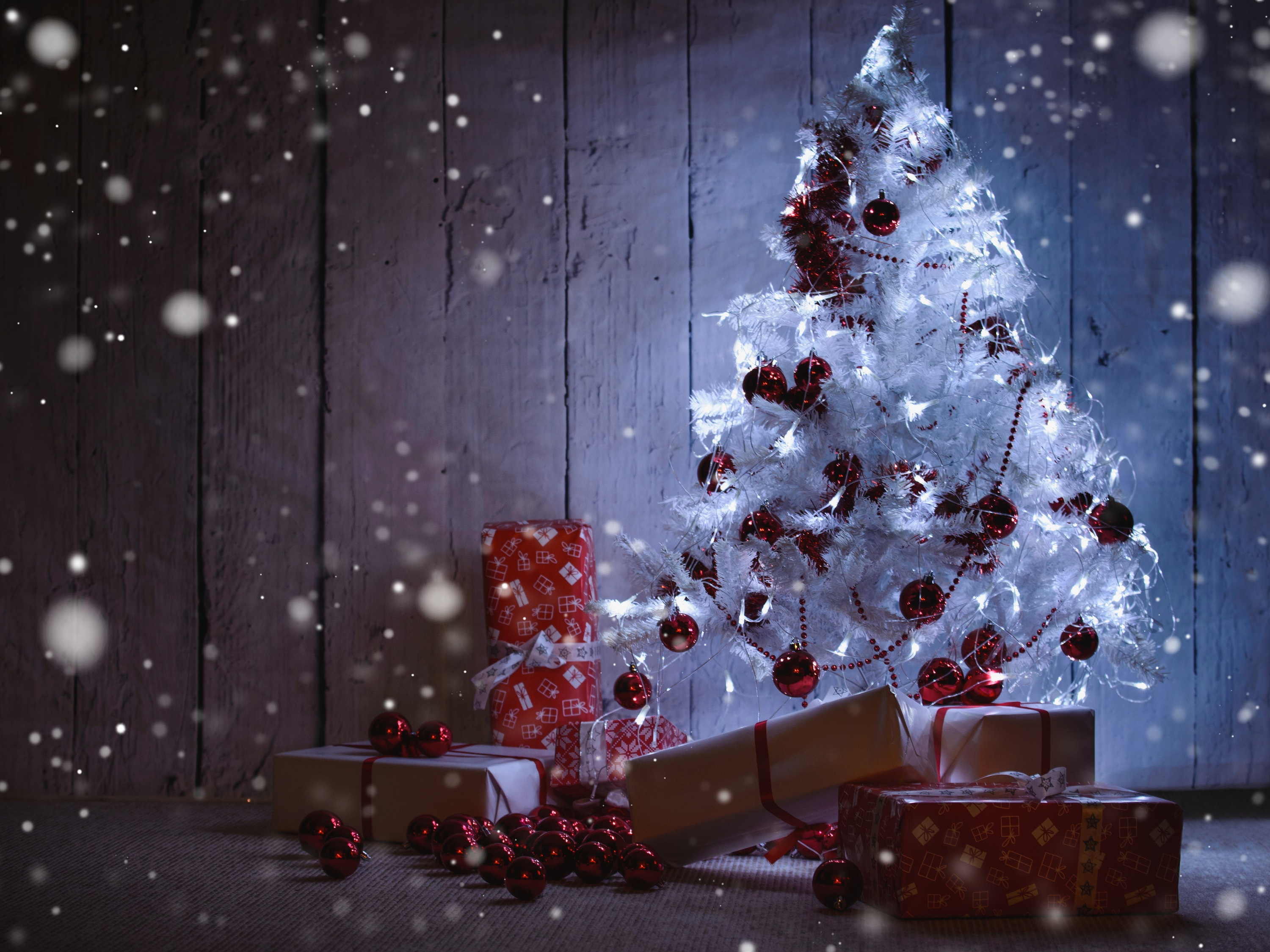 White Christmas Tree With Presents Under It Hd Wallpaper Background Image 3000x2250 Id 886670 Wallpaper Abyss