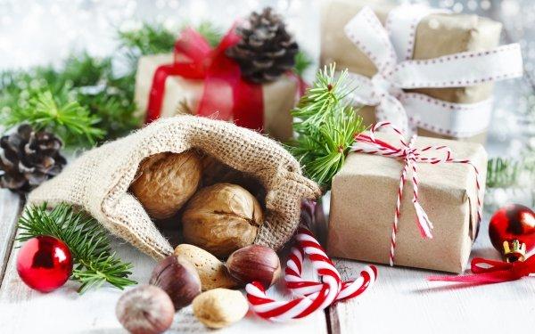 Holiday Christmas Gift Candy Cane Hazelnut HD Wallpaper | Background Image