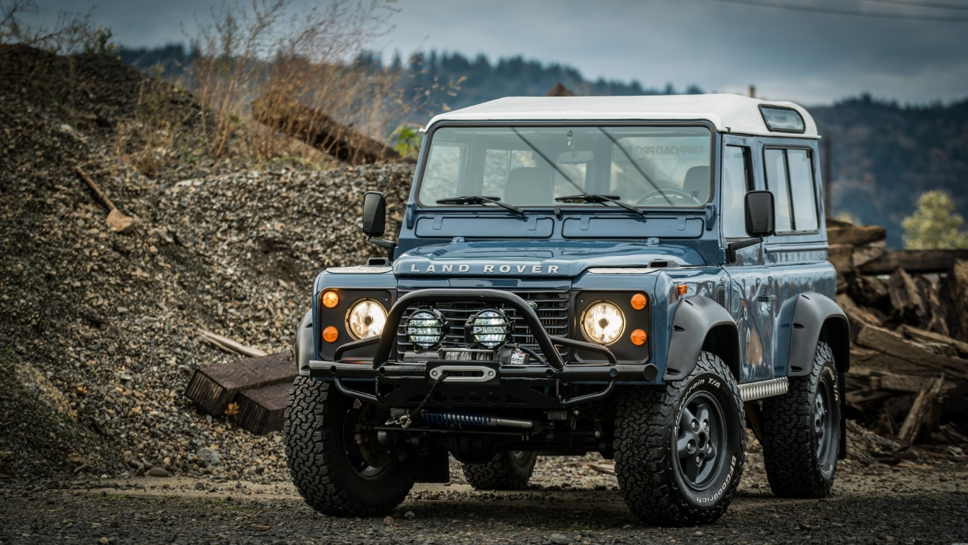 Vehicles - Land Rover Defender  Land Rover Defender 90 Off-Road Old Car Car Blue Car Wallpaper