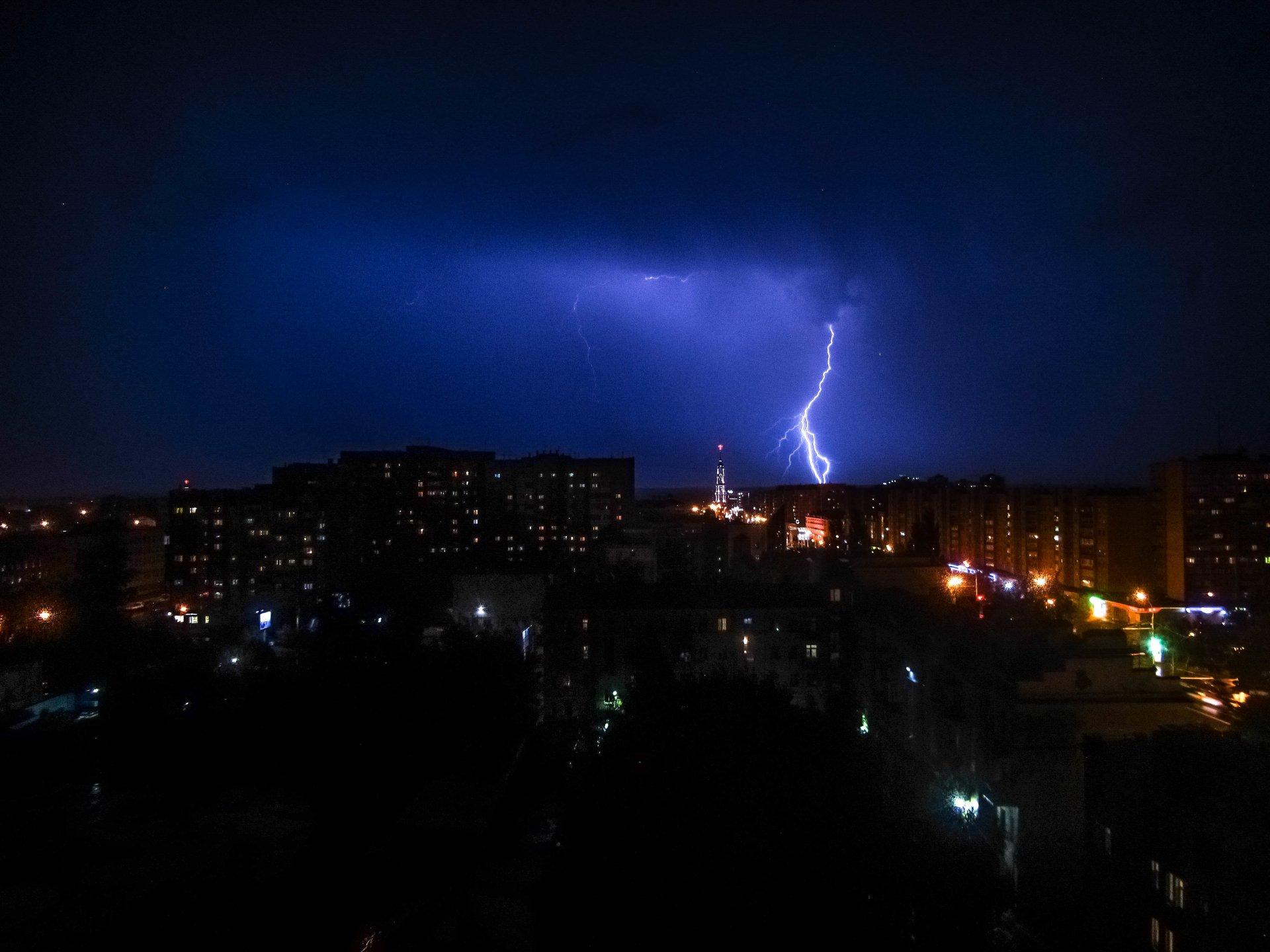 lightning 4k ultra hd wallpaper  background image