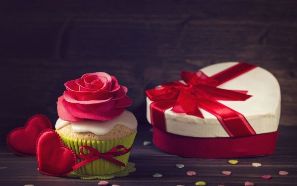 Holiday Valentine's Day Heart-Shaped Cupcake Still Life Gift HD Wallpaper | Background Image