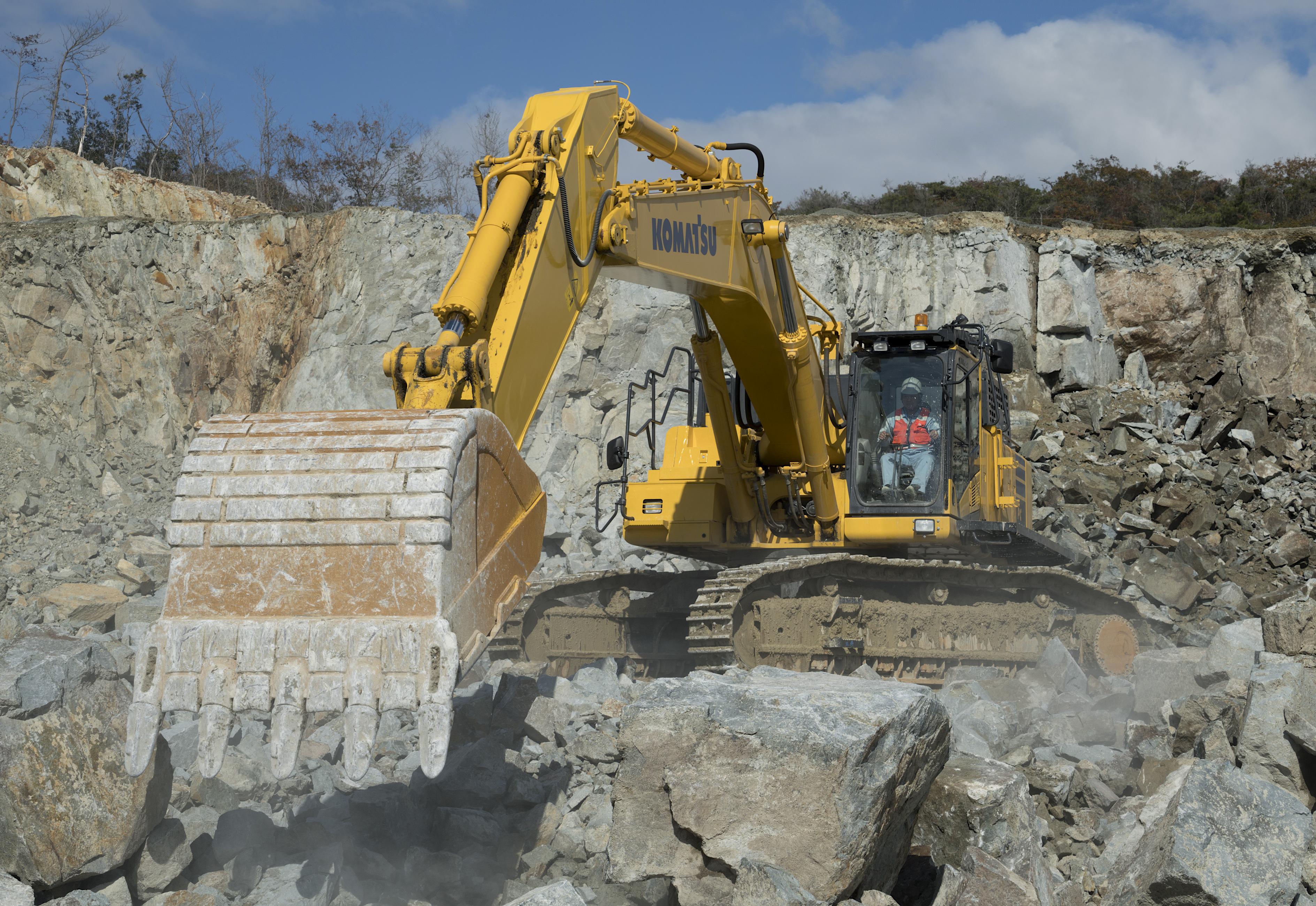 Komatsu PC650LC Excavator