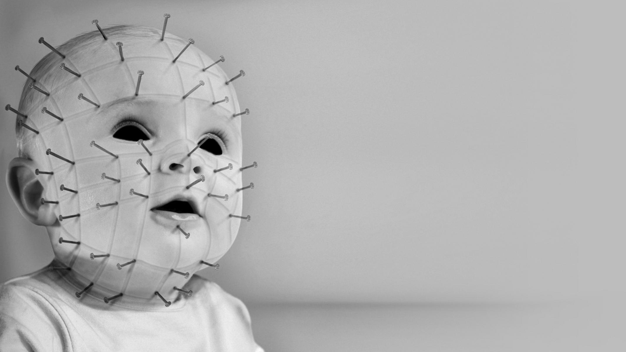 Donker - Hellraiser  - Pinhead - Baby Achtergrond