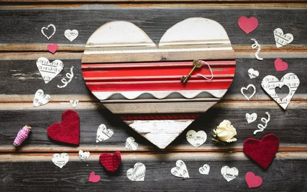 Holiday Valentine's Day Heart-Shaped Love HD Wallpaper | Background Image